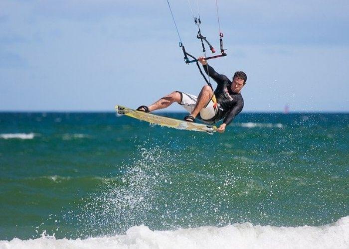 kite surf proche du Domaine Sainte Véziane un Camping à Vias