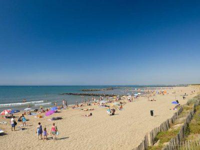 Domaine De Sainte Veziane: Strand van Vias Vias Plage F34