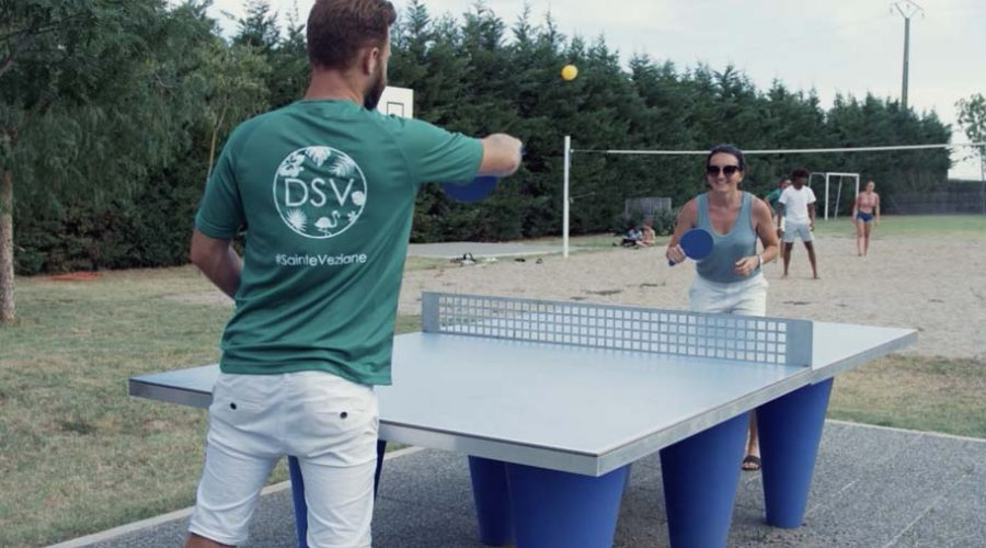 Domaine De Sainte Veziane : Table De Pingpong