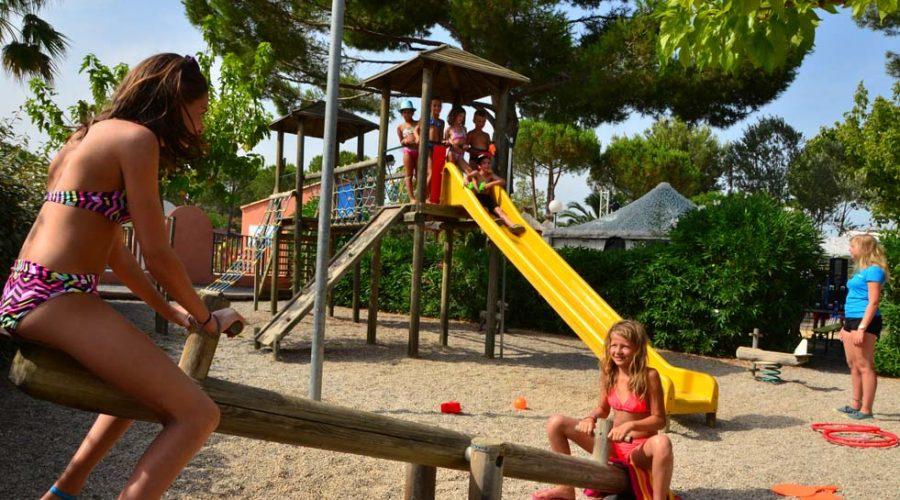 Domaine De Sainte Veziane : Terrain De Jeux Enfants