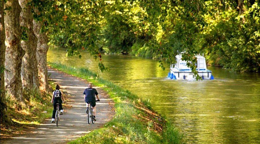 Domaine Sainte Véziane : Canal Du Midi A Vélo